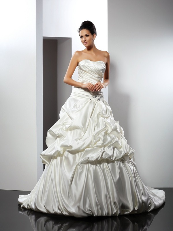 Satin Sweetheart Cathedral Train Ivory Wedding Dresses