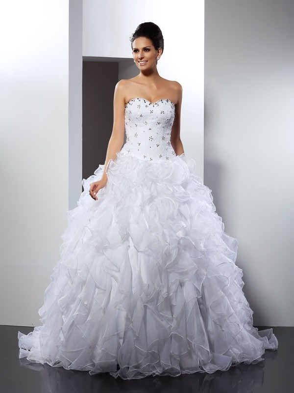 Court Train White Sweetheart Wedding Dresses with Ruffles