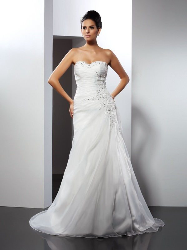 Organza A-Line Court Train Sweetheart White Wedding Dresses