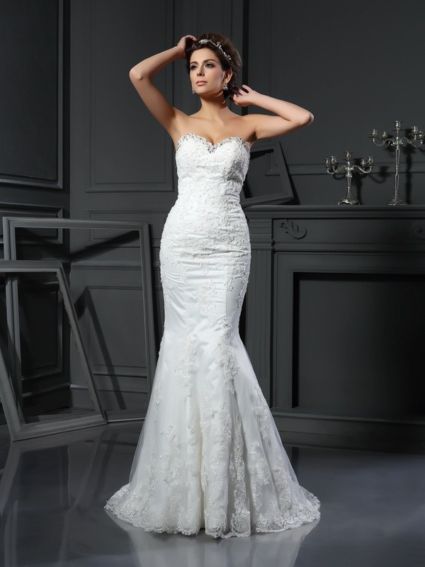 Sheath Sweetheart Court Train Ivory Wedding Dresses with Beading