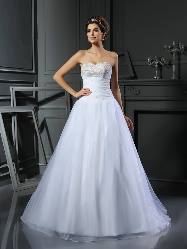 Satin Sweetheart Court Train White Wedding Dresses