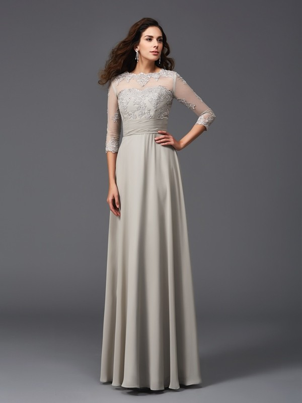 Floor-Length Silver 3/4 Sleeves Scoop Prom Dresses with Applique