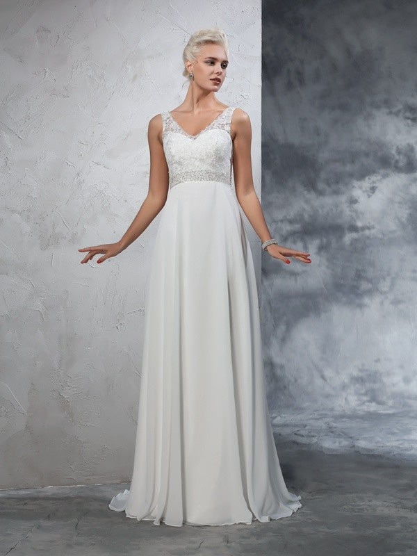 Court Train Ivory V-neck Wedding Dresses with Beading