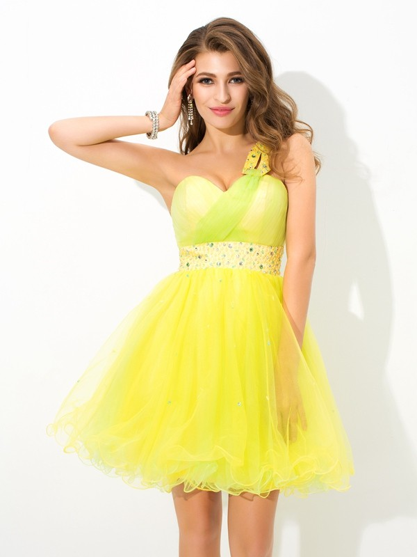 A-Line One-Shoulder Short/Mini Yellow Homecoming Dresses with Beading