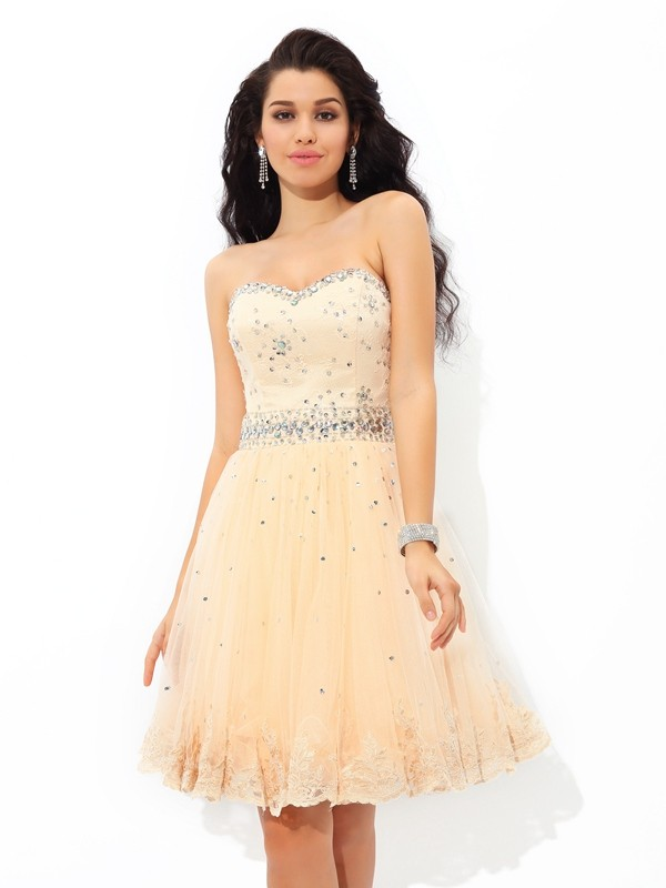 Champagne A-Line Sweetheart Short/Mini Homecoming Dresses with Beading