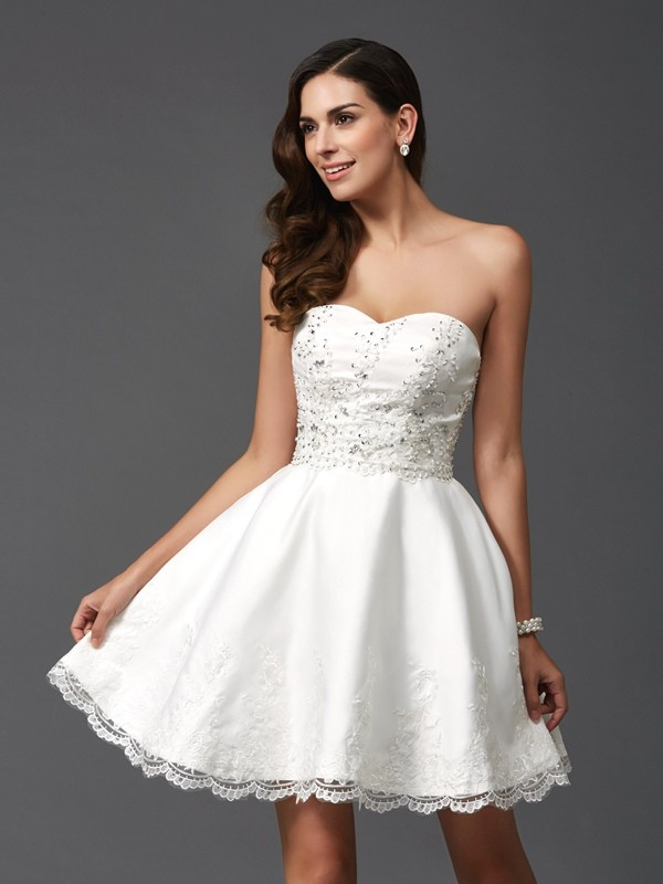 A-Line Satin Sweetheart Short/Mini Homecoming Dresses with Beading