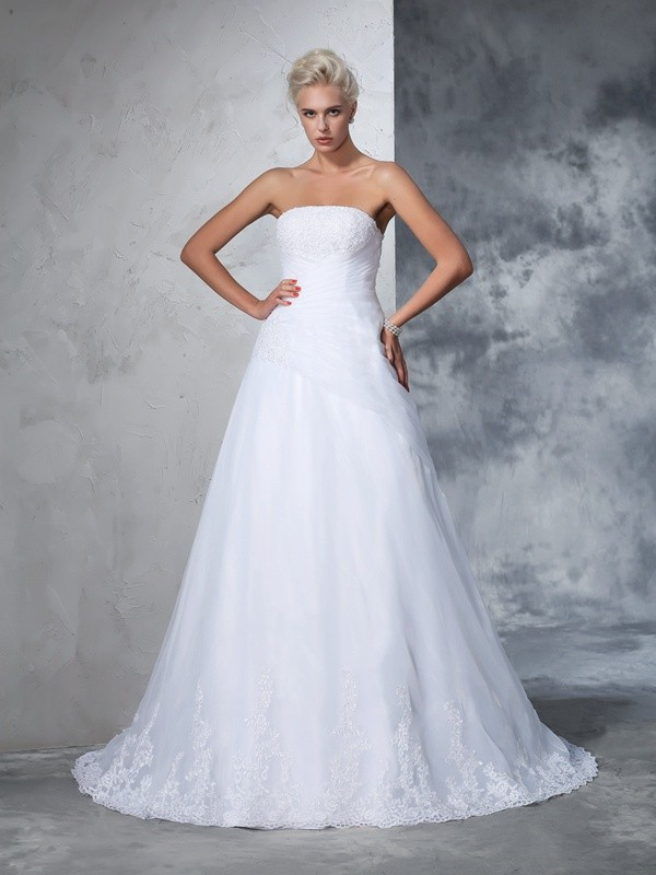 Net Strapless Court Train White Wedding Dresses