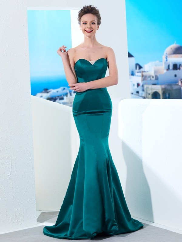 Dark Green Mermaid Sweetheart Brush Train Prom Dresses with Ruched