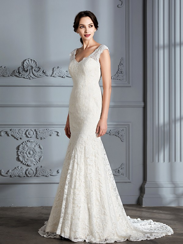 V-neck Brush Train Ivory Wedding Dresses