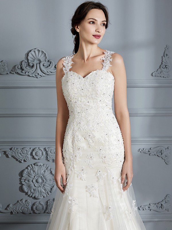 Trumpet/Mermaid Sweetheart Sleeveless Lace Court Train Wedding Dresses