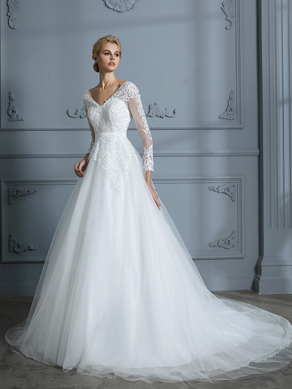 a8631e844 Ball Gown V-neck Court Train Ivory Wedding Dresses with Lace ...