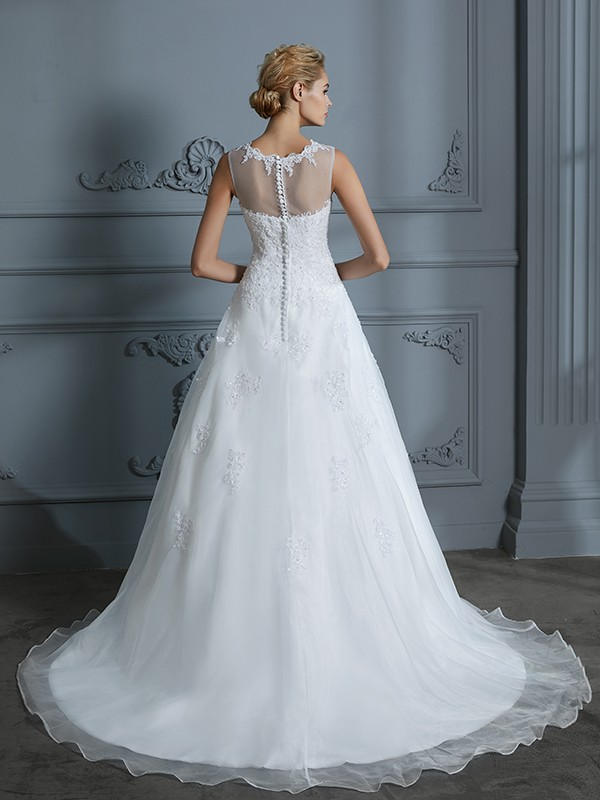 Ball Gown Scoop Sleeveless Tulle Court Train Applique Wedding Dresses