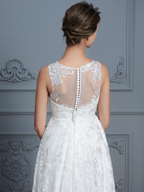 A-Line/Princess Scoop Sleeveless Asymmetrical Lace Wedding Dresses