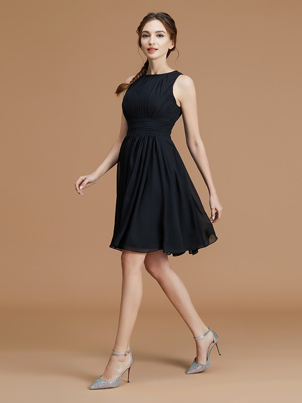 A-Line Chiffon Bateau Short/Mini Bridesmaid Dresses with Ruffles