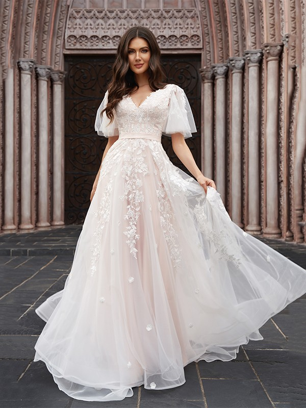 A-Line/Princess Tulle Applique V-neck 1/2 Sleeves Court Train Wedding Dresses