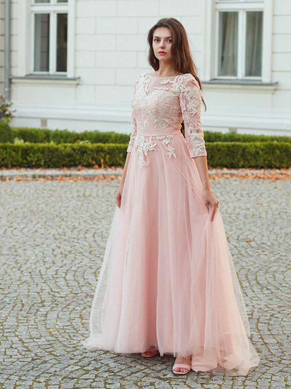 A-Line/Princess Tulle Applique Bateau 3/4 Sleeves Sweep/Brush Train Dresses