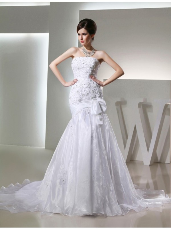 Mermaid Organza Strapless Chapel Train White Wedding Dresses
