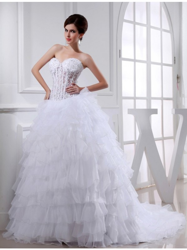 White Ball Gown Sweetheart Chapel Train Wedding Dresses with Beading