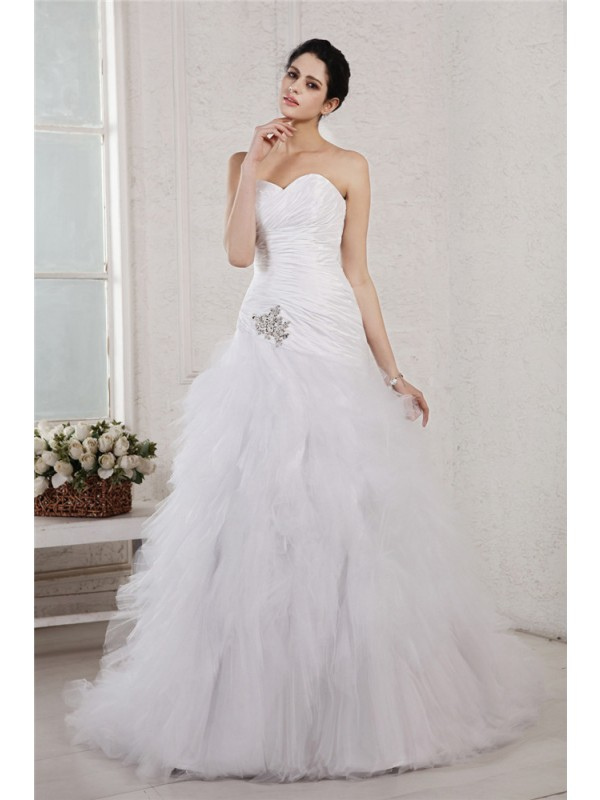 A-Line Sweetheart Court Train White Wedding Dresses