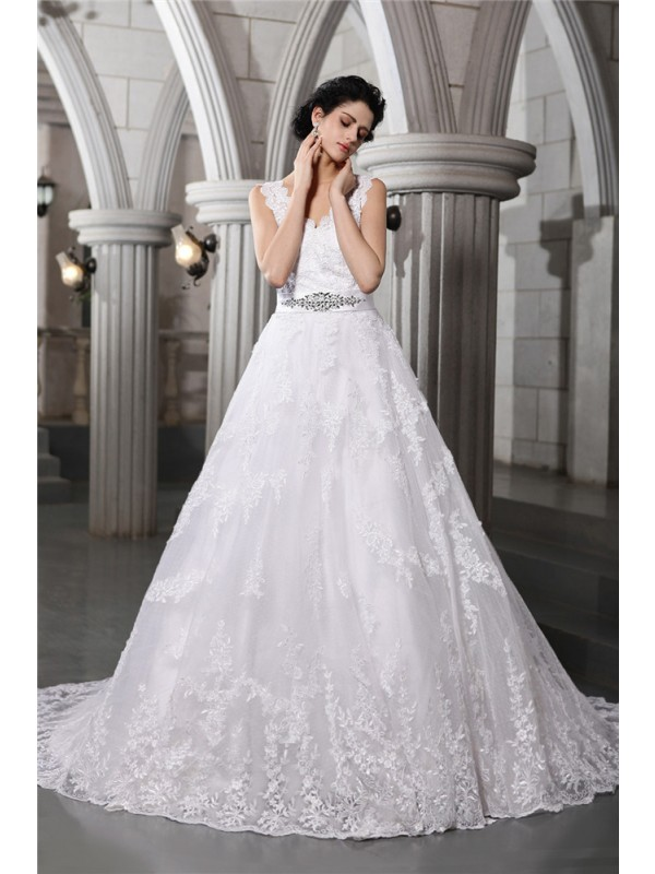 White A-Line V-neck Chapel Train Wedding Dresses with Beading
