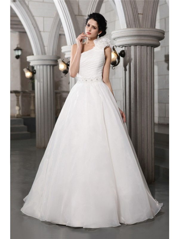 Organza A-Line Chapel Train One-Shoulder White Wedding Dresses