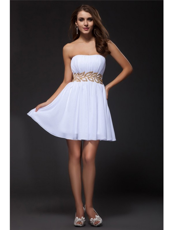 Strapless Short/Mini White Homecoming Dresses with Beading