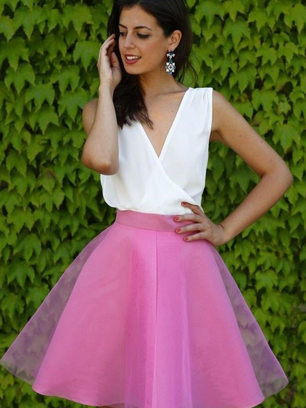 A-Line Tulle V-neck Short/Mini Fuchsia Homecoming Dresses