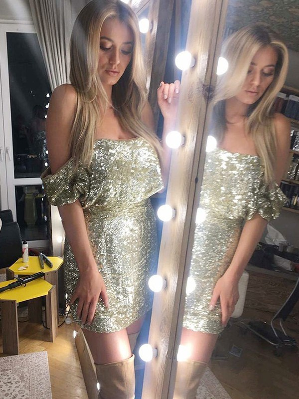 Short Off-the-Shoulder Sheath Sequins Gold Homecoming Dresses