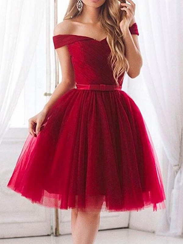 Knee-Length Off-the-Shoulder A-Line Tulle Red Homecoming Dresses