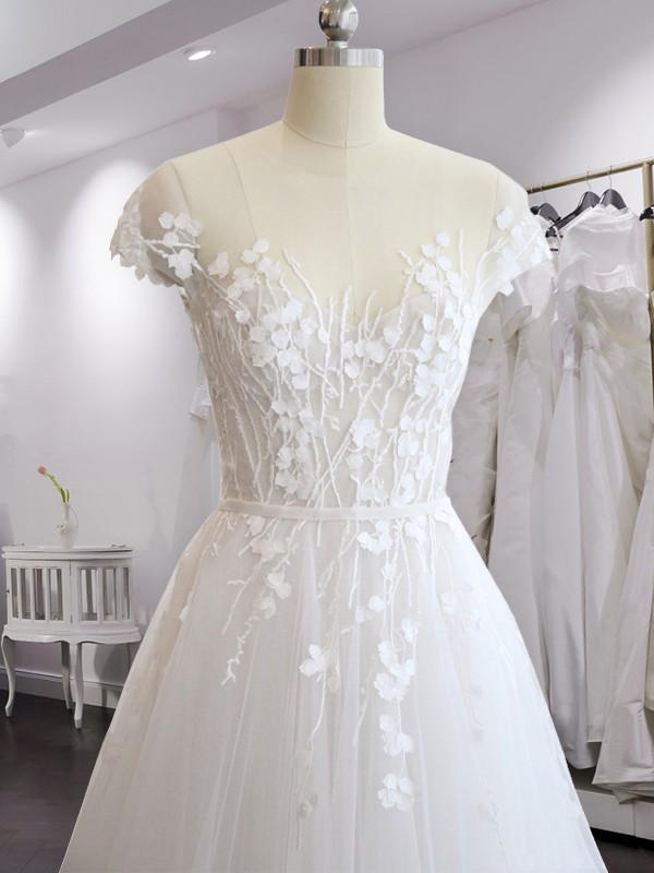 A-Line Court Train White Applique Tulle Wedding Dresses