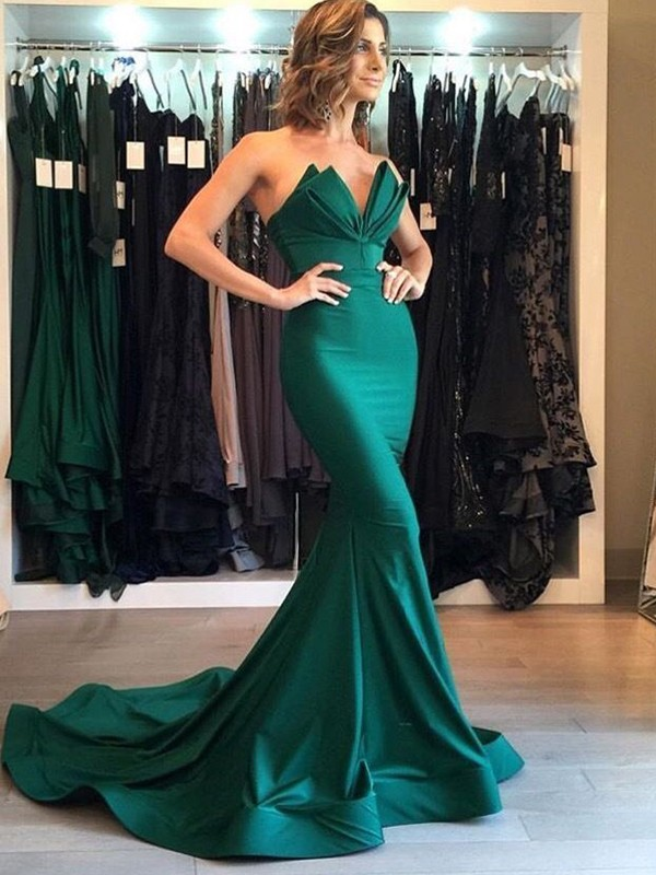 Mermaid Green V-neck Court Train Stretch Crepe Prom Dresses