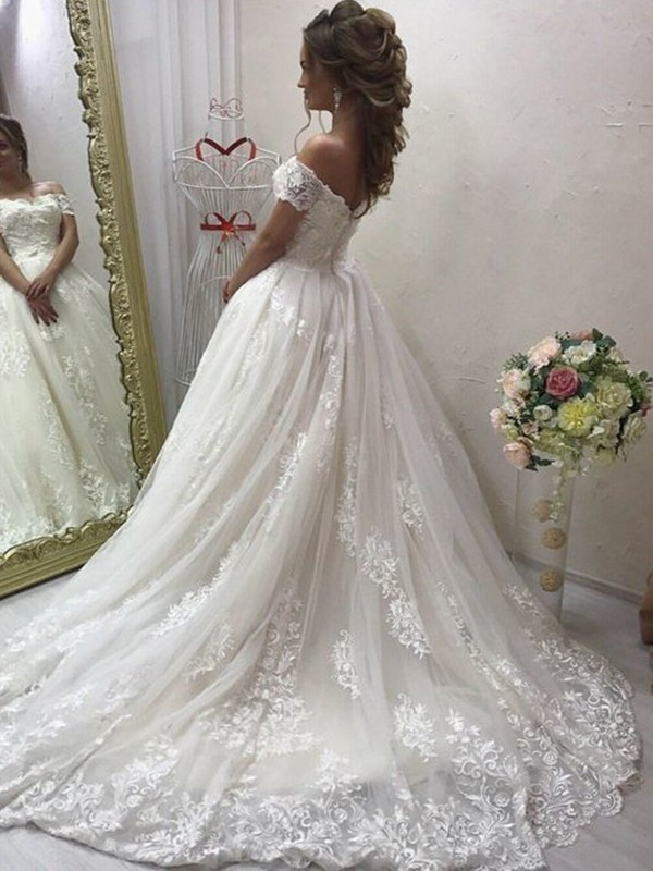 A-Line Sleeveless Brush Train Applique Tulle Wedding Dresses