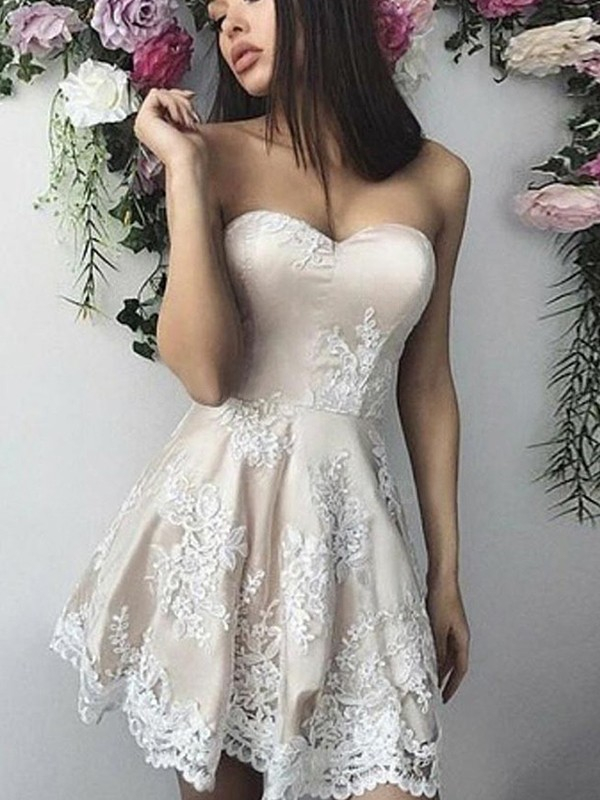 A-Line Lace Ivory Applique Sweetheart Sleeveless Short/Mini Homecoming Dresses