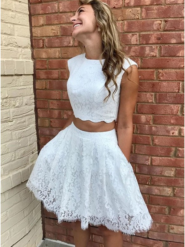 A-Line Lace Scoop Sleeveless Short Homecoming Dresses