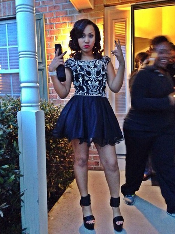 A-Line Tulle Scoop Short/Mini Black Homecoming Dresses
