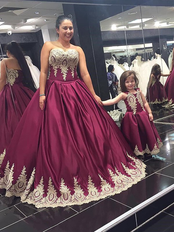 Floor-Length Burgundy Sweetheart Prom Dresses with Applique