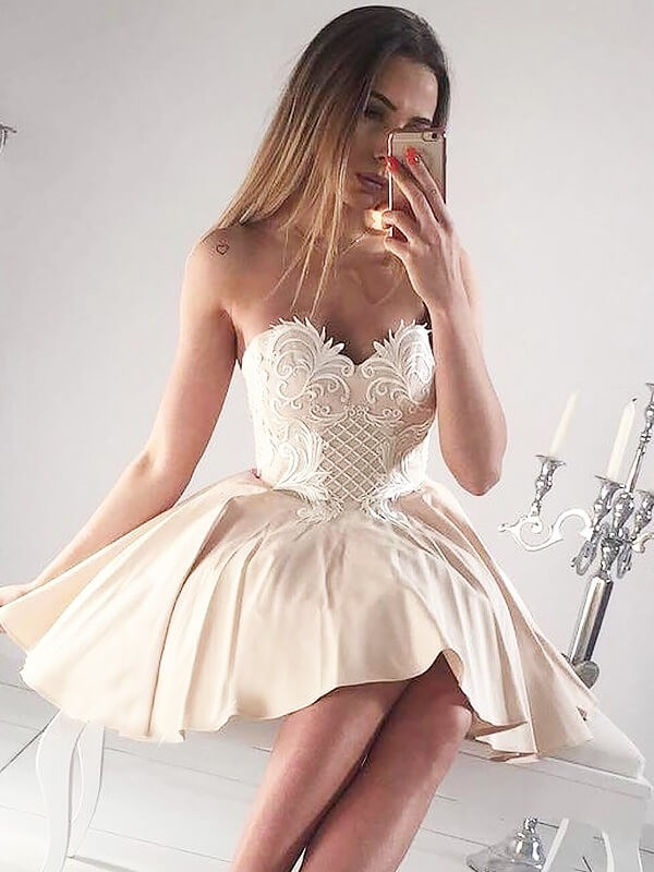 Short/Mini Champagne Sweetheart Prom Dresses with Applique