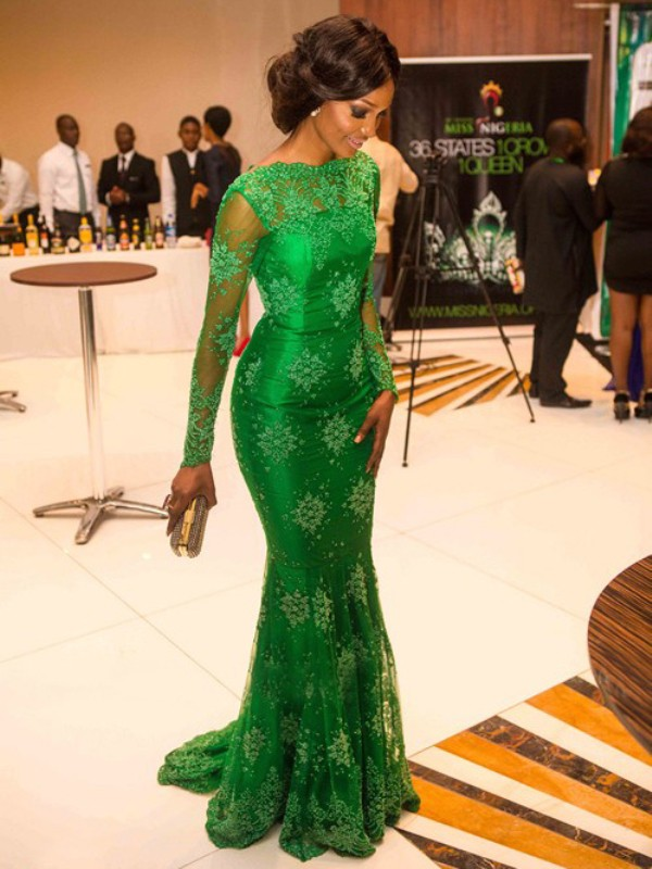 Sweep/Brush Train Green Long Sleeves High Neck Prom Dresses with Applique