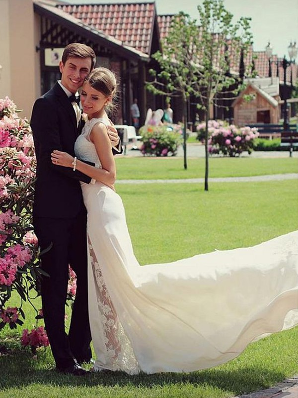A-Line Halter Sleeveless Floor-Length Ivory Beading Satin Wedding Dresses